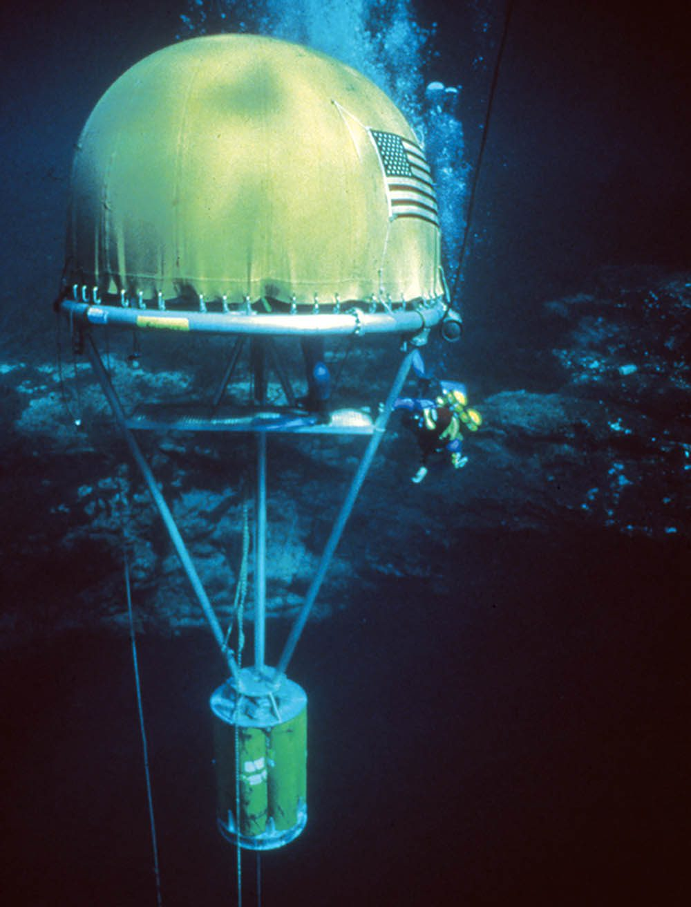 The Wakulla project decompression habitat, where divers conducted most of their deco. On-board controls permitted up to six divers to ascend from just over 20m to the surface.